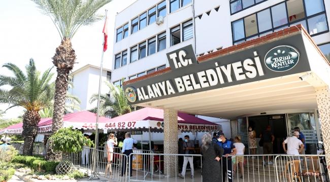 ALANYA BELEDİYE SARAYI'NA COVİD-19 TEDBİRİ