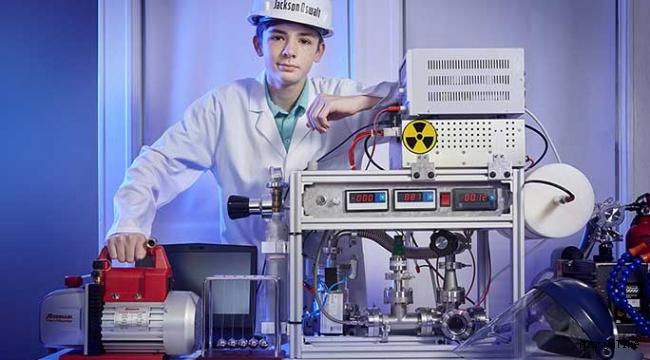 12 yaşında nükleer füzyon reaktörü geliştiren Jackson Oswalt 'Guinness Rekorlar Kitabı'na girdi
