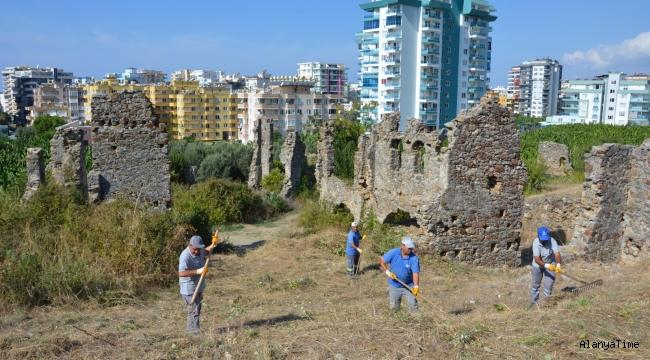 Alanya'da Naula Antik Kenti temizleniyor