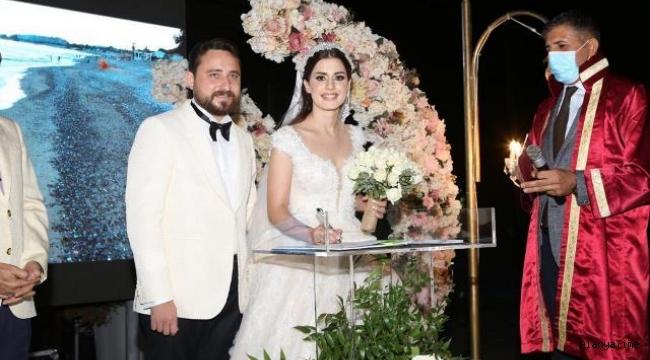 Av. Dilan Cengizoğlu ve İç Mimar Muratcan Çakır evlendi