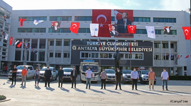 Antalya Büyükşehir Belediyesi'nden İzmir'e teknik ekip desteği Hasar tespiti için 12 kişilik ekip yola çıktı