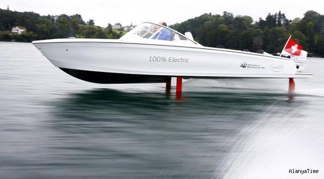 Uçan' elektrikli sürat teknesi