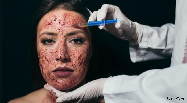 Kim Kardashian'ın vampir maskesi nedir?